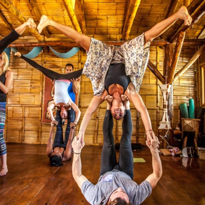 acroyoga, flying yoga