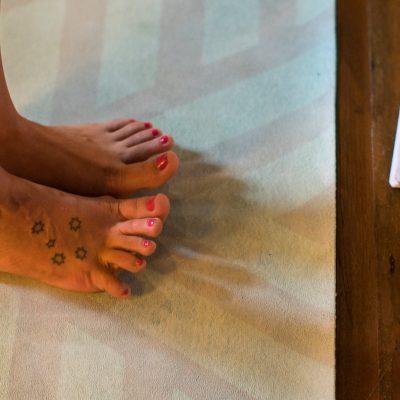 yoga toes, yogini toes, yoga design lab mat